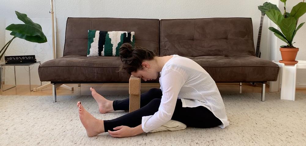 Yin Yoga Uebungen unterer Ruecken